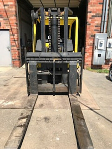 30,000 lb Capacity Cat T300 Forklift For Sale 15 Ton