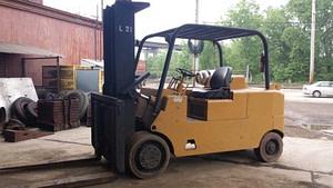CAT 30,000lb Forklift