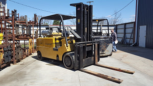 25,000lb. Capacity Cat T250 Forklift For Sale