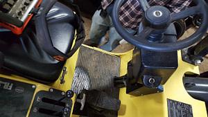 25,000lb. to 35,000lb. Hoist Forklift For Sale (6)