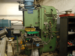 200 Ton Hydraulic Press Steelcase 1