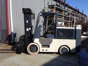 26,000lbs. Hoist Forklift For Sale