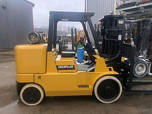 15,500 lb Cat Forklift - Model GC70k - For Sale