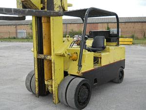 30,000 lb / 40,000 lb Cat T300 Hard Tire Forklift
