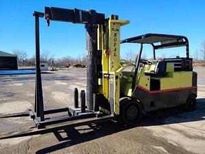 30,000 lbs / 40,000 lbs Royal Forklift For Sale